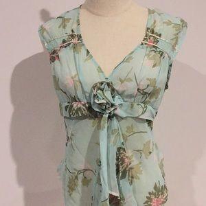 Now vintage appeal rosette ribbon top